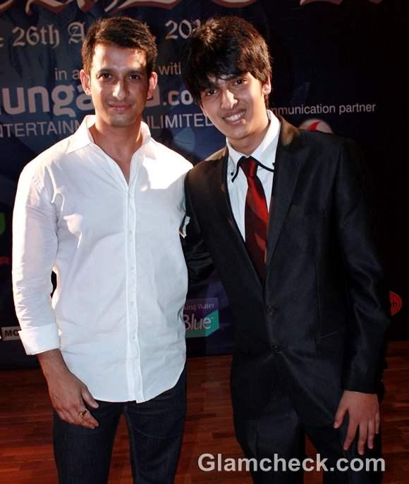 Armaan Malik with Sharman Joshi at CASCADE 2012 inter collegiate competition