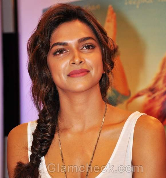 Deepika Padukone Puff Hairstyle In Cocktail