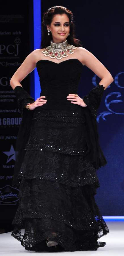 Dia Mirza walks ramp at India International Jewellery Week