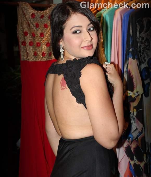 Preeti Jhangiani backless gown 2012
