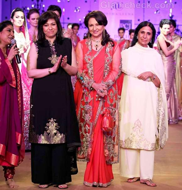 Sharmila Tagore Dazzles in Coral Sari at PCJ Delhi Couture Week