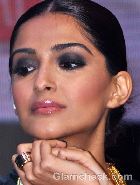 Sonam kapoor smokey eye makeup