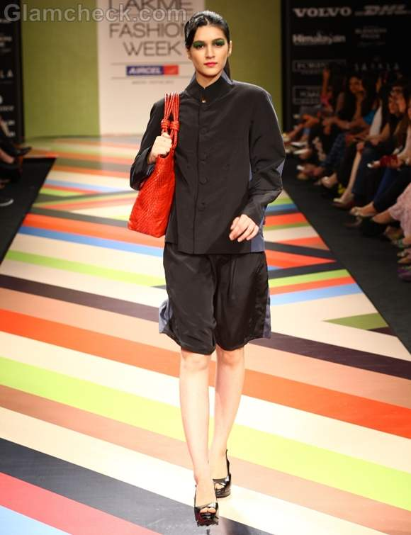 VEEV Second Skin Collection Bags LFW Winter-Festive 2012 -2