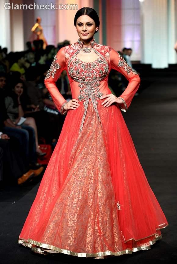 Aamby Valley India Bridal Fashion Week 2012 Ashima-Leena -2