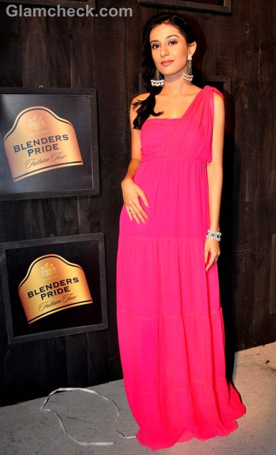 Amrita Rao pink gown