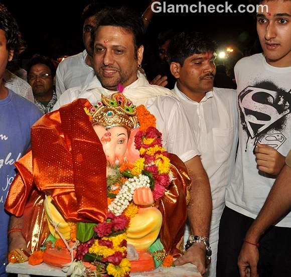 Bollywood Celebs Ganpati Visarjan 2012-govinda