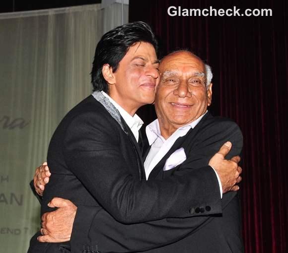 Shahrukh Khan with director Yash Chopra on his 80th birthday