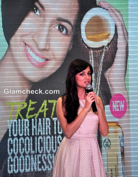 Dia Mirza Launch Body Shop Rain forest Coconut Oil