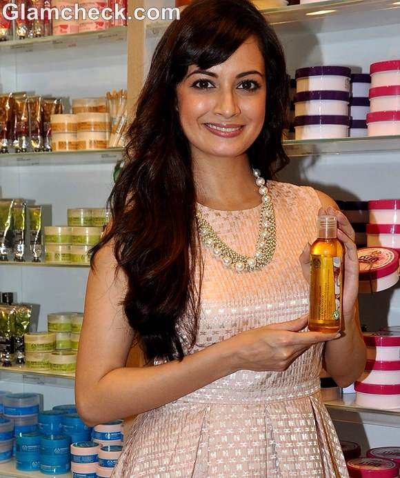 Dia Mirza at body shop rain forest coconut oil launch