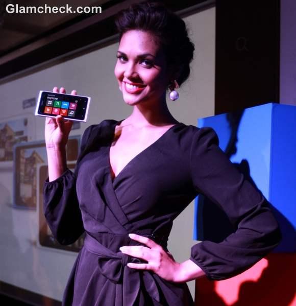 Esha Gupta style Nokia Lumia Smartphones launch