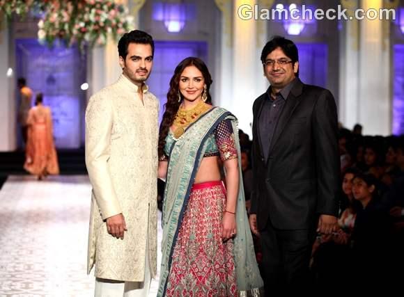 Esha deol Bharat Takhtani Azva Jewelry at India Bridal Fashion Week 2012
