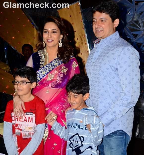 Madhuri Dixit Jhalak Dikhla Jaa with her family