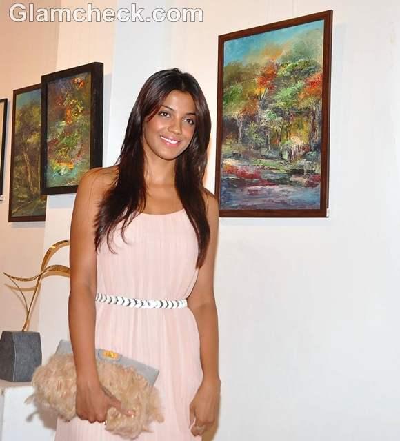 Mugdha Godse Shyam Kishore Mishra art Kala Ghoda Mumbai