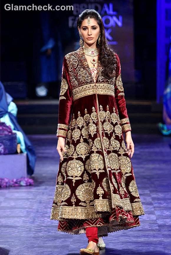 Nargis Fakhri JJ Valaya grand finale india bridal fashion week 2012