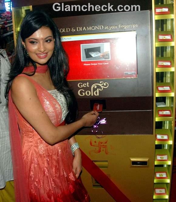 Sayali Bhagat Launches Gold Diamond ATM Vending Machine Ganesh chaturthi