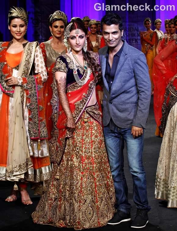 Soha ali khan Vikram Phadnis show india bridal fashion week 2012