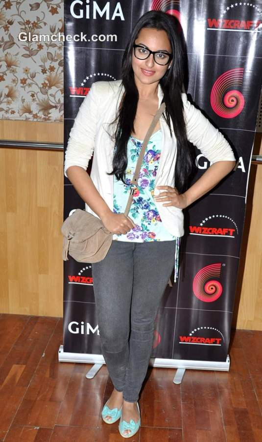 Sonakshi Sinha Nerdy Look casual style