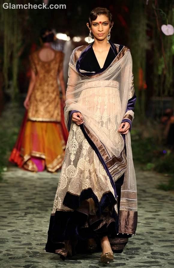 Tarun Tahiliani  day-1 iIndia bridal week 2012-6