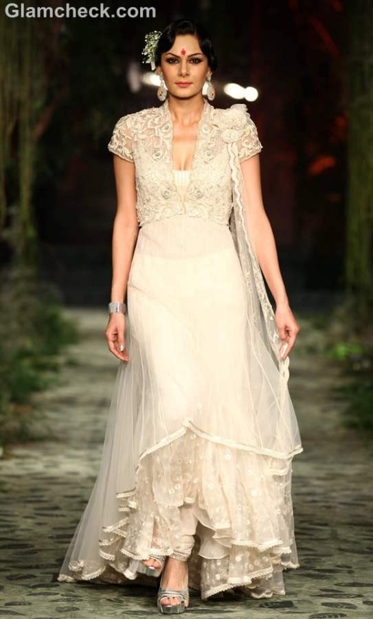 Tarun Tahiliani  day-1 iIndia bridal week 2012-7