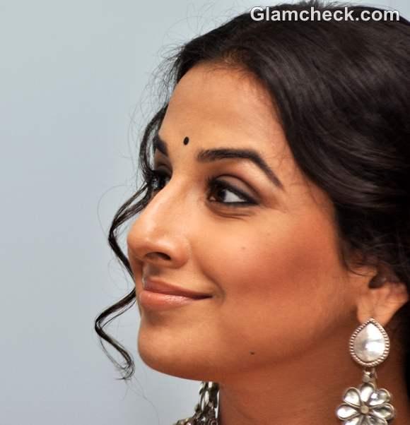 Vidya Balan traditional look makeup hairstyle