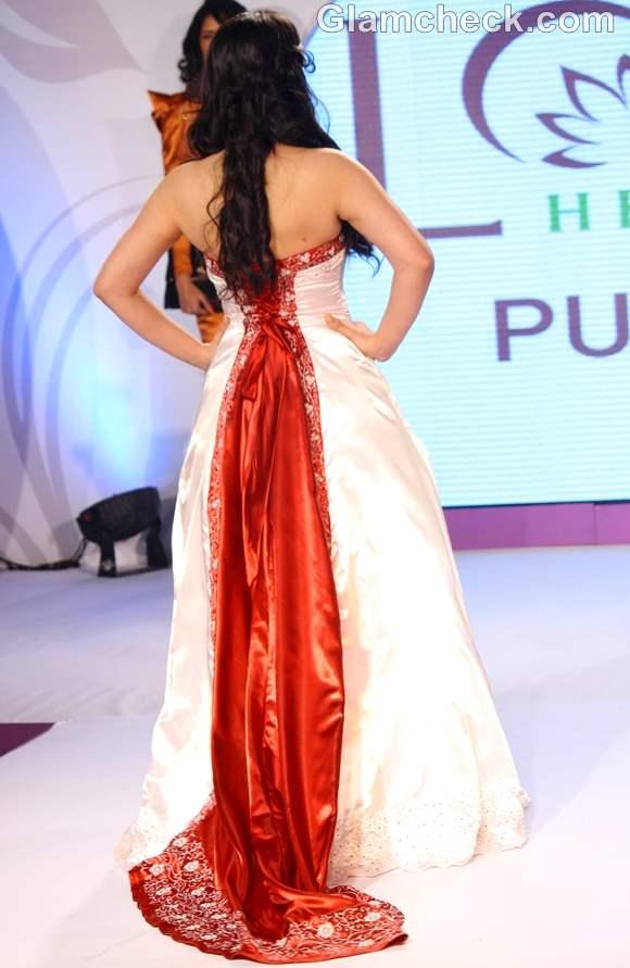Zarine Khan launch of Pure Stay