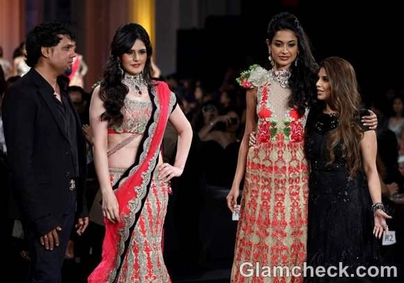 Zarine Khan sarah jane at India Bridal Fashion Week 2012