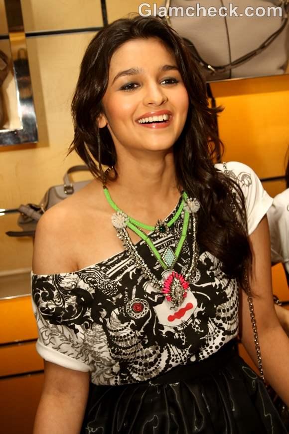 bollywood actress alia bhatt 2012