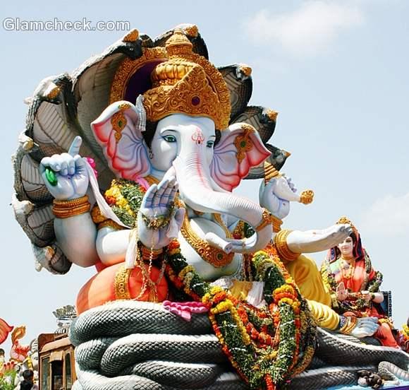 ganesh idols indian festival