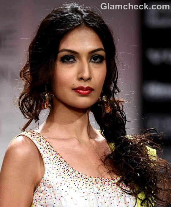Traditional Indian Hairstyles: Traditional Beauty Looks For Ganesh Chaturthi