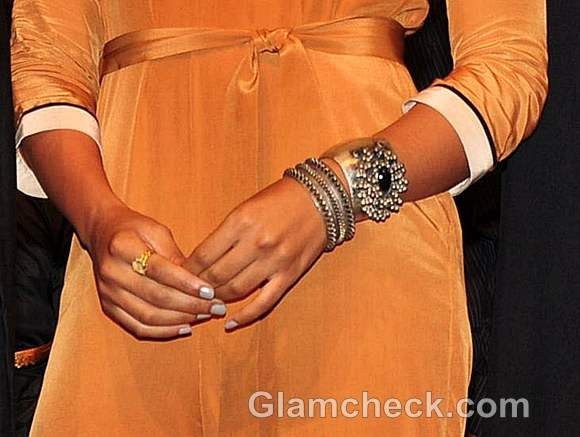 metal jewelry sameera reddy