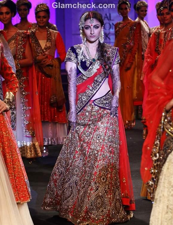 soha ali khan india bridal fashion week 2012 Vikram Phadnis show
