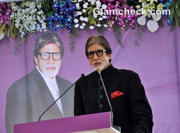 Amitabh Bachchan Launched Mobile Diabetes Van by Seven Hills Hospital on birthday