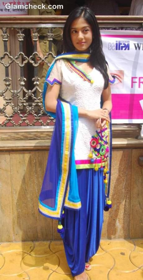 Amrita Rao Salwar Kameez 2012 Free Eye Check-up campaign