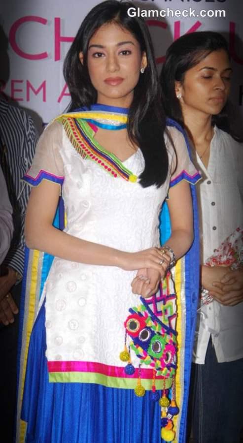 Amrita Rao at 2012 Free Eye Check-up campaign