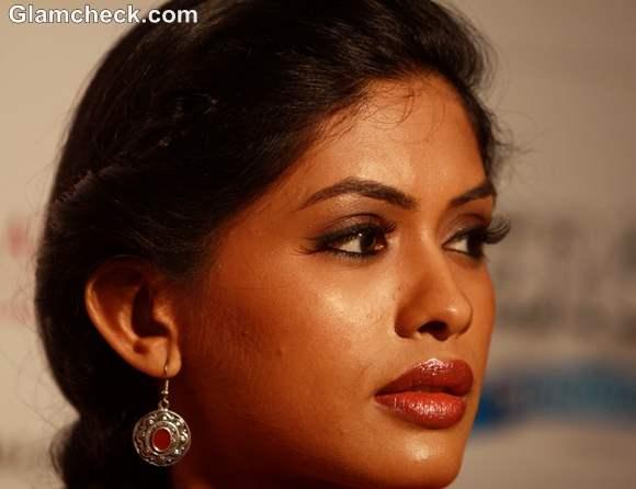 Anjali Patil Chakravyuh 2012 movie
