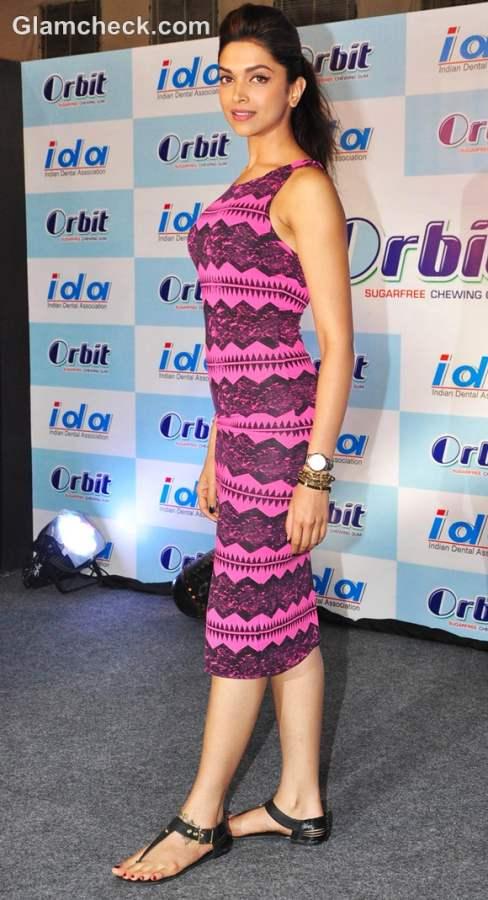 Deepika Padukone hot leggy lass