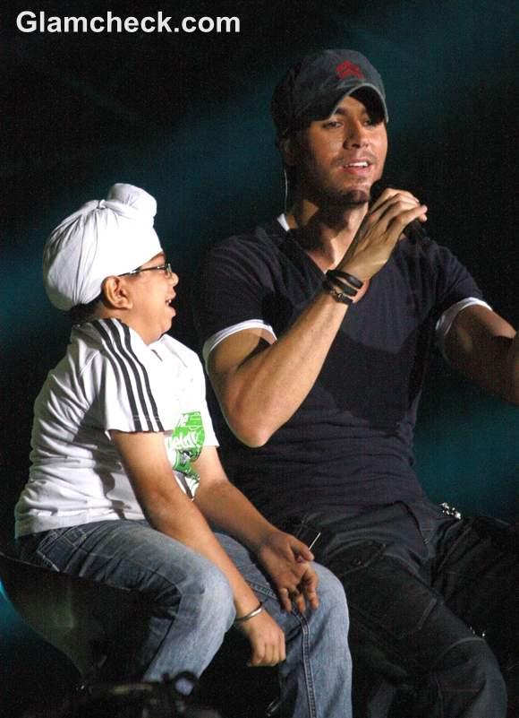 Enrique Iglesias Performs Live in india