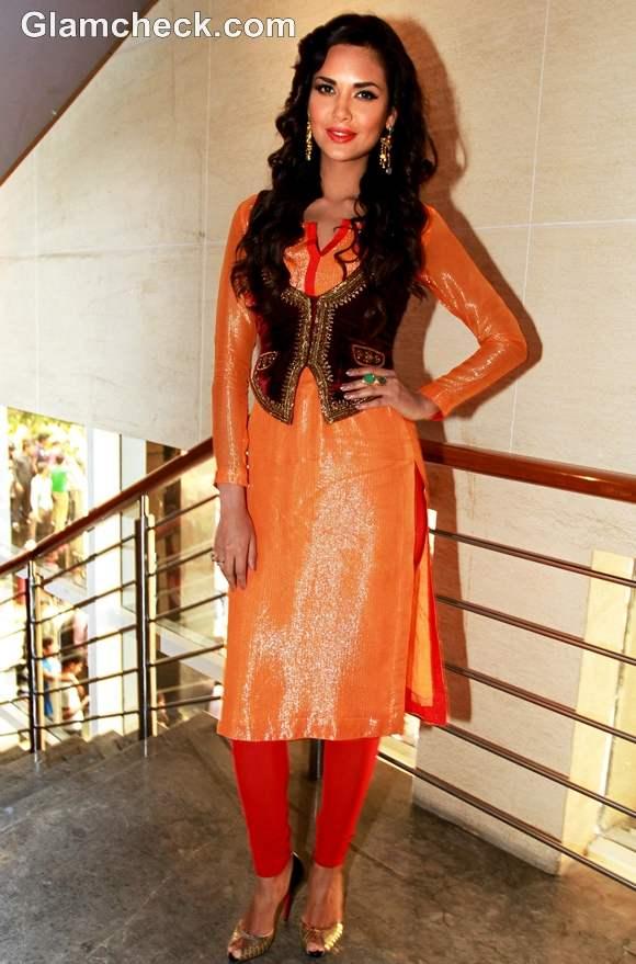 Esha Gupta Orange Red salwar kurta at Chakravyuh Promotions