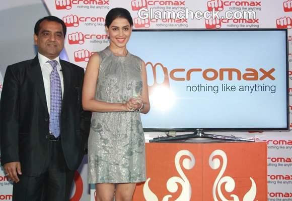 Genelia Dsouza unveiling Micromax LED TVs in New Delhi