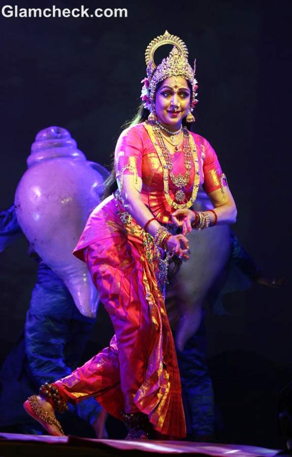Hema Malini Performs the Nritya Natika Ramlila