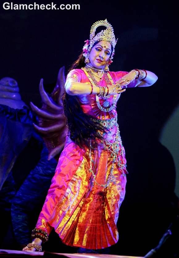 Hema Malini Performs the Nritya Natika at Ramlila 2012