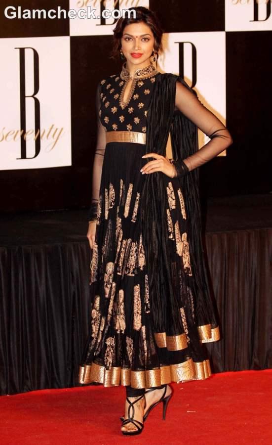 How dress for Dussehra 2012 bollywood celeb Deepika Padukone