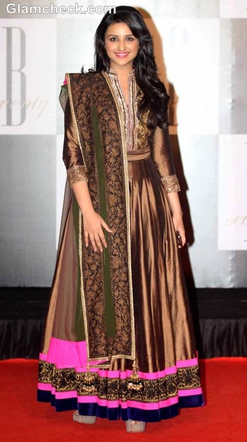 How dress for Dussehra 2012 bollywood celeb Parineeti Chopra