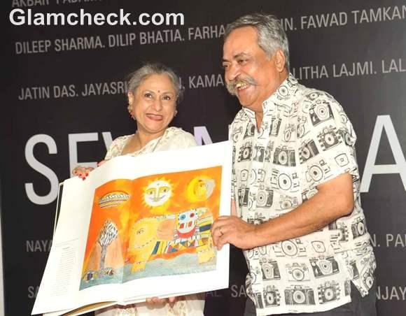 Jaya Bachchan at B70 Art Show at Nehru Centre Mumbai