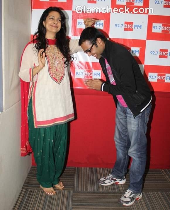 Juhi Chawla at Big Memsaaab 92-7 BIG FM chef Rakesh Sethi