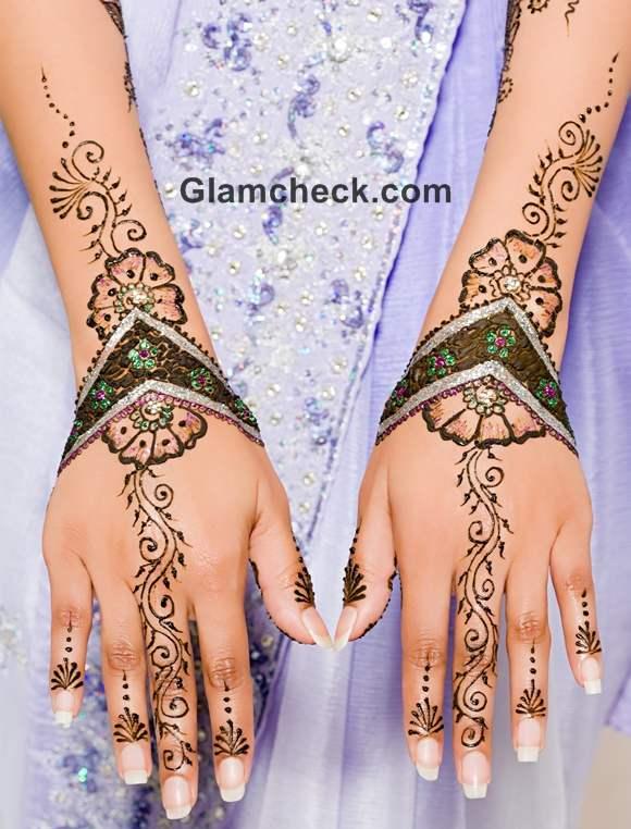 Karva Chauth mehndi designs floral