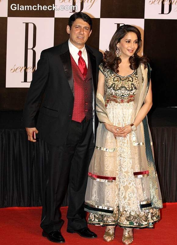 Bollywood Couples Walked The Red Carpet On Big B S 70th B