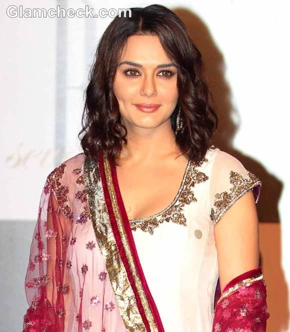 Preity Zinta Amitabh Bachchan Bday Bash