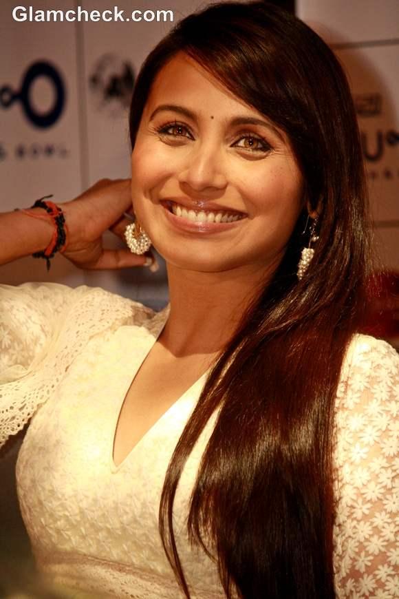Rani Mukherjee straight hairstyle