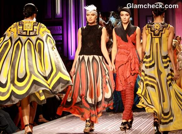 Ritu kumar WIFW S-S 2013-grand finale art deco collection